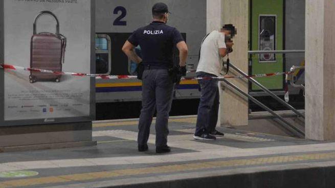Bologna, trovato morto in stazione. Indaga la polizia (Foto d'archivio Donzelli)