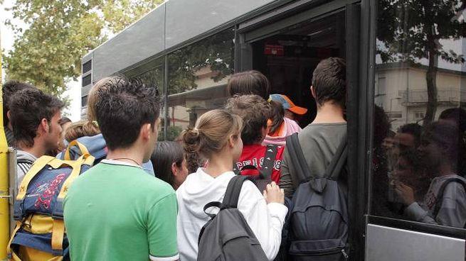 Bus e treni gratis per la fascia 14-19 anni dal 2021 (Foto Bove)