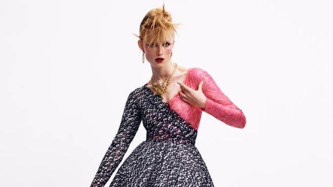 Moda, un capo della collezione Chanel autunno-inverno 2020-2021