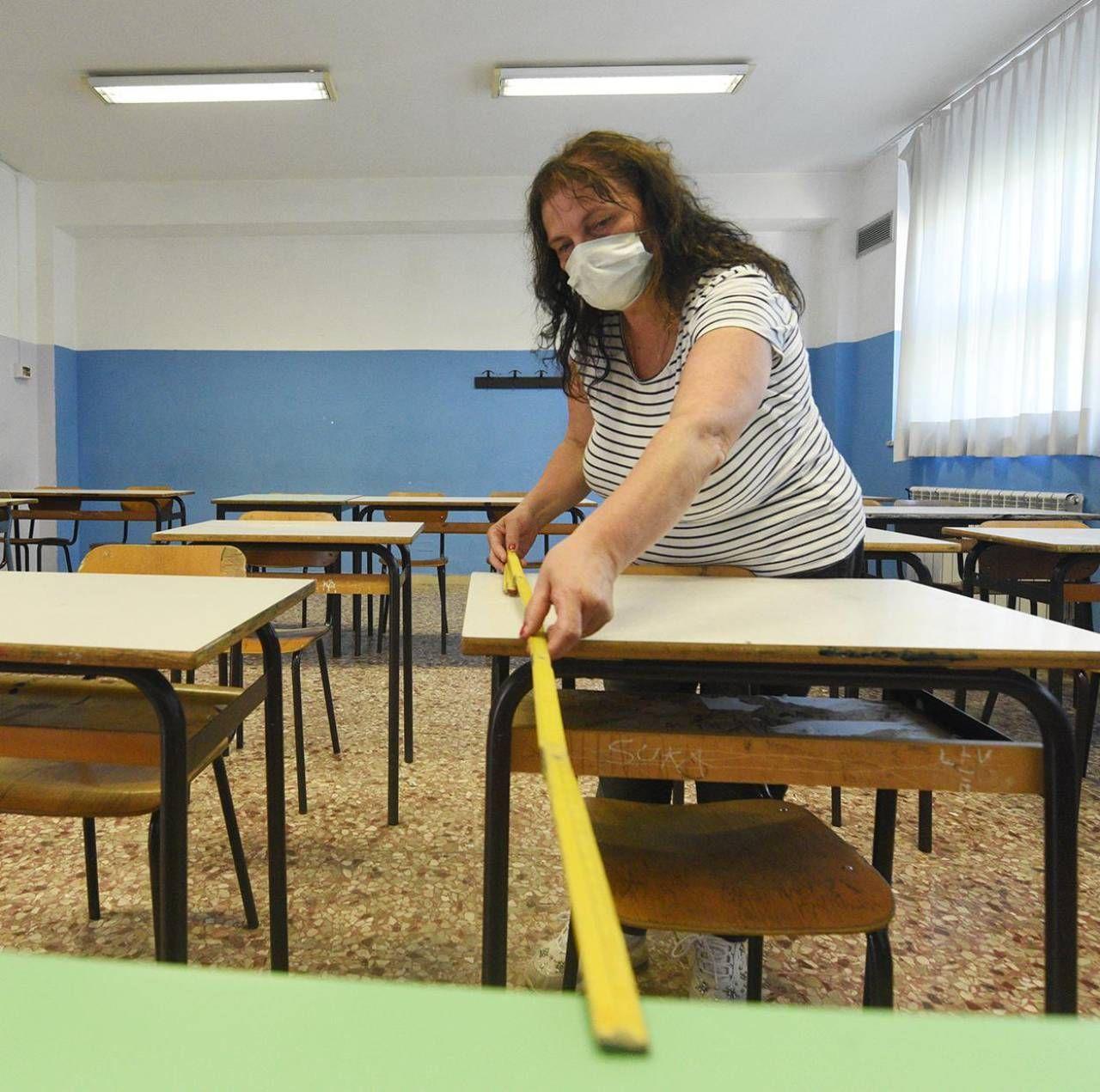Sono ancora molte le problematiche che investono il mondo della scuola: dalle aule ai test sierologici