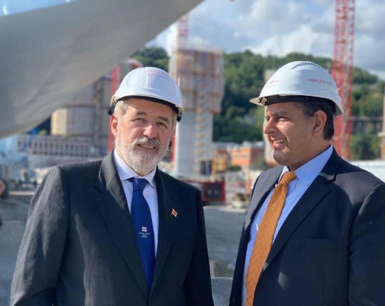 Il sindaco di Genova Marco Bucci e il presidente della Regione Giovanni Toti: in Liguria al via la realizzazione di opere importanti