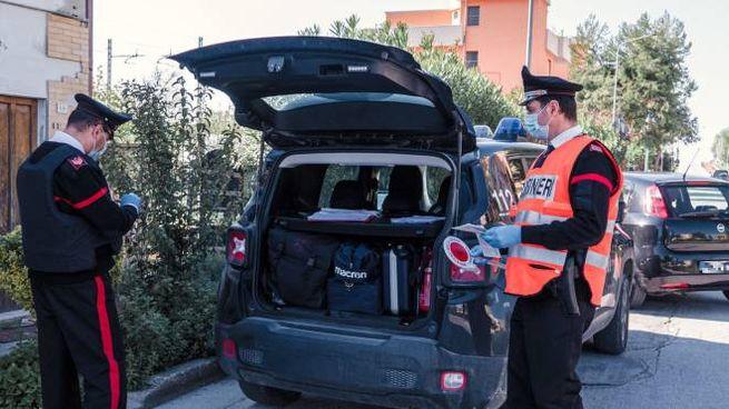L'uomo è stato individuato dai carabinieri (foto Zeppilli)
