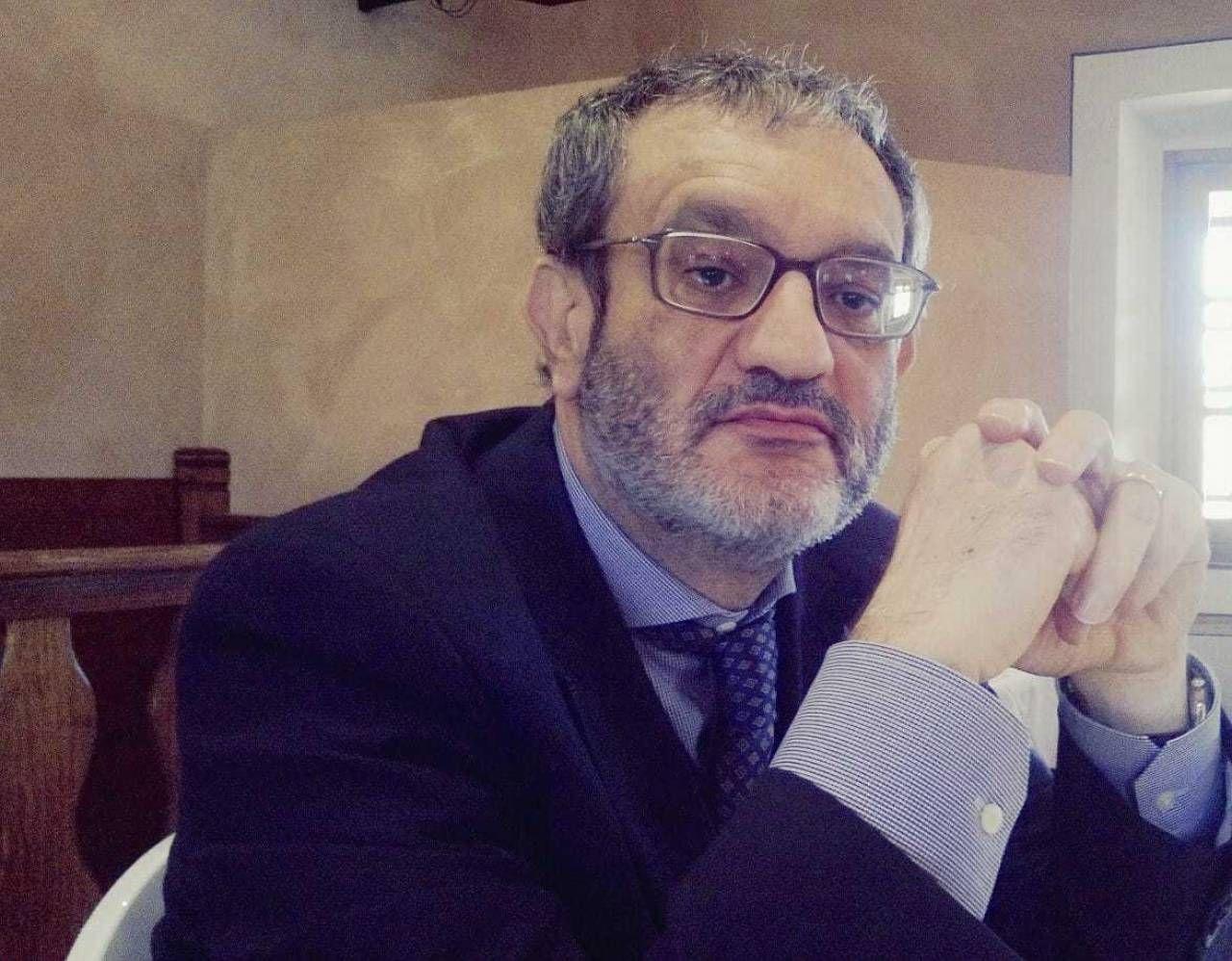 Alessandro Gullo è preside all'istituto superiore Allende Custodi di via Ulisse Dini, zona Chiesa Rossa