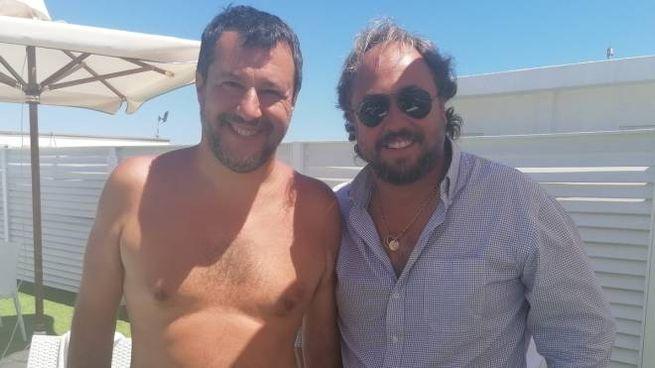 Matteo Salvini con Massimo Casanova al Papeete