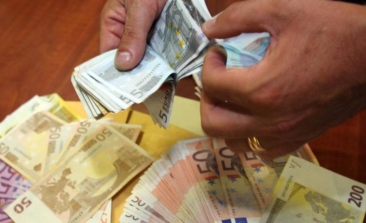 Secondo l'accusa, Aldanese avrebbe prestato soldi in più tranche, tra cui una pari a circa 500mila euro