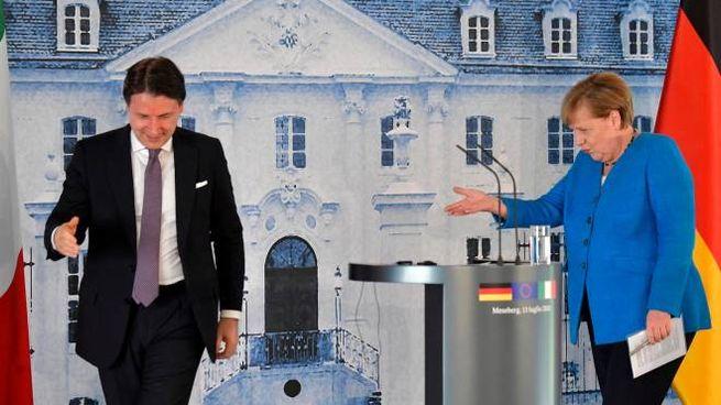 Giuseppe Conte e Angela Merkel (Ansa)
