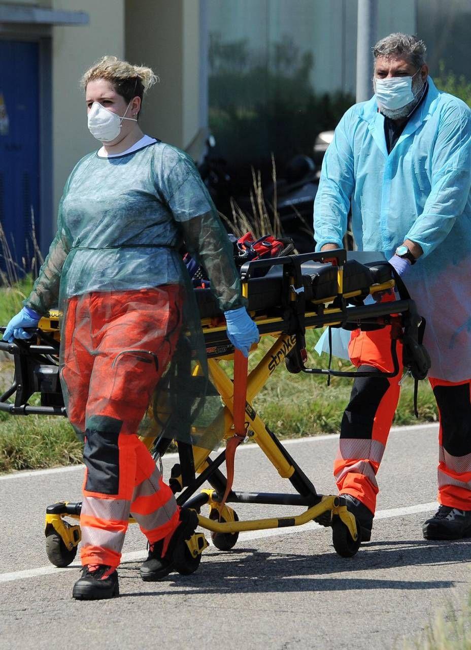 Gli operatori della Croce Azzurra hanno lavorato senza sosta nonostante le difficoltà del momento