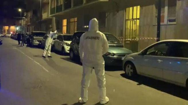 Duplice omicidio a Torino, la scientifica al lavoro (Ansa)