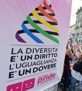 Una manifestazione per i diritti Lgbt A destra, il pm ravennate Cristina D'Aniello