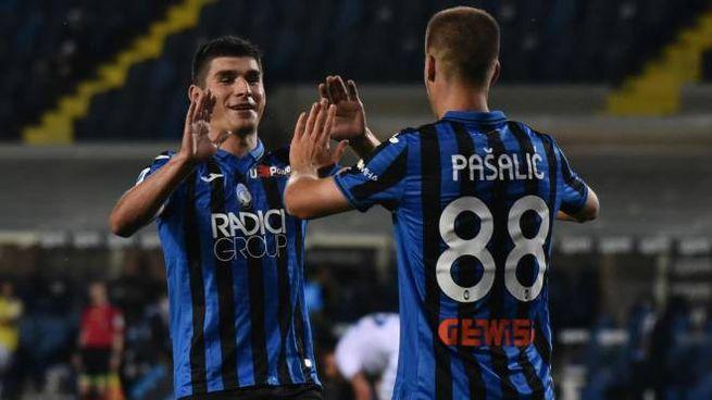 Ruslan Malinovskyi e Marko Pasalic, protagonisti del 6-2 dell'Atalanta sul Brescia (Ansa)