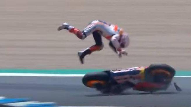 Jerez, la caduta di Marc Marquez (Ansa/YouTube)
