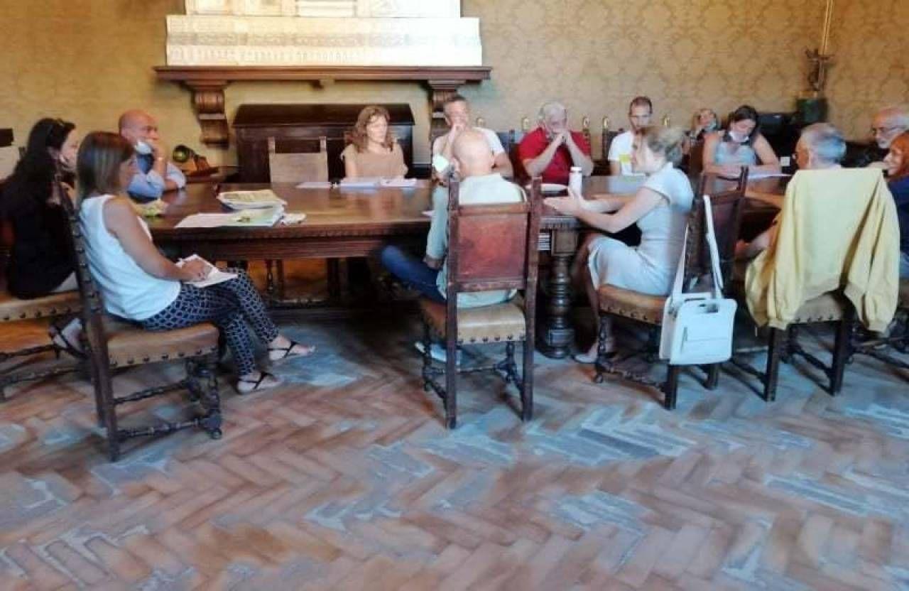 Un momento dell'incontro in Comune tra Comitato e amministrazione