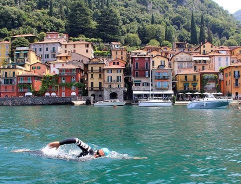 Giorgio Riva impegnato nelle acque del lago