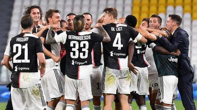 Juventus ancora campione d'Italia, la festa dei giocatori (Ansa)