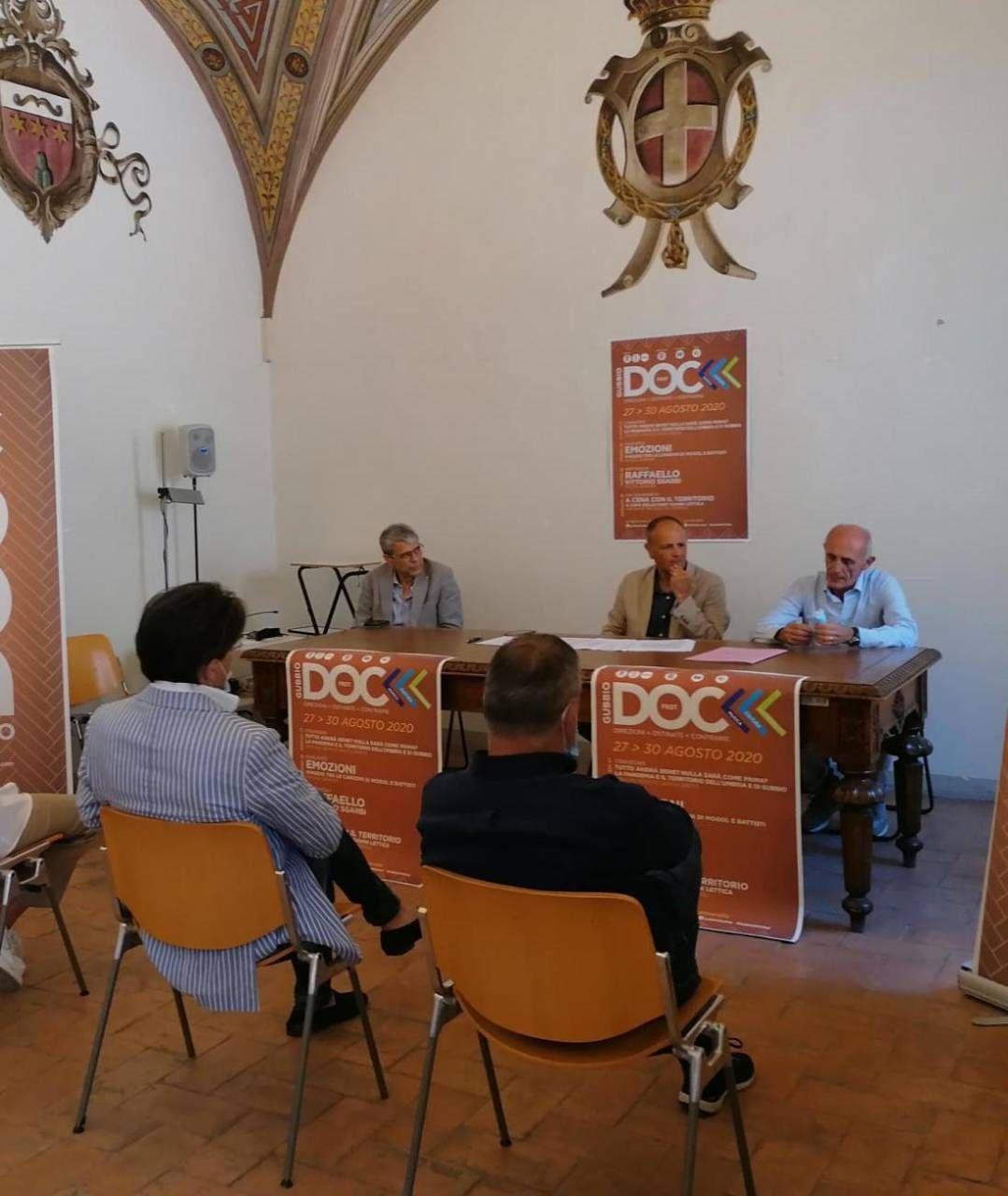 La presentazione con l'assessore Oderisi Nello Fiorucci, Mario Monacelli e Alberto Nicchi
