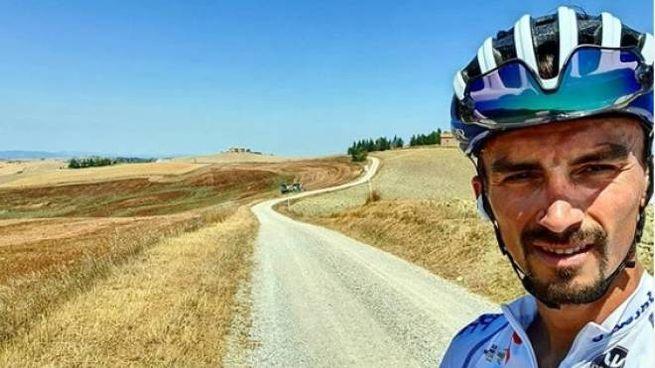 Julian Alaphilippe (Deceunick-Quickstep) già si allena sulle strade toscane (da Instagram)