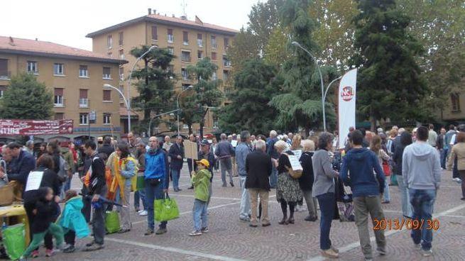 manifestazione in piazza bracci contro  colata idice