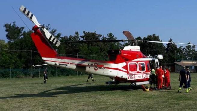 L'elicottero al campo di Castelnovo Monti