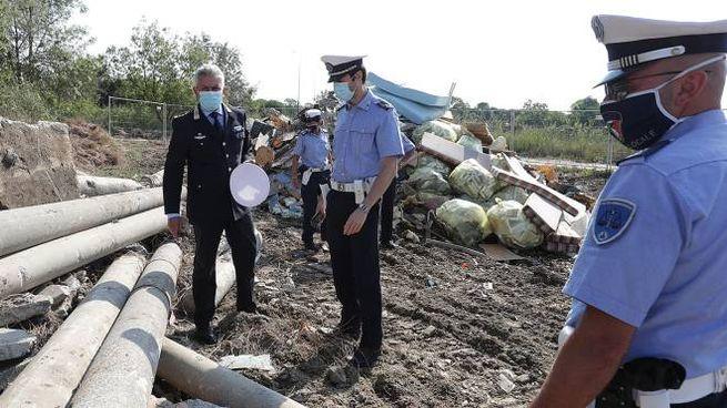 Sopralluogo del comandante della Polizia Locale Giacomini a fine lavori di bonifica