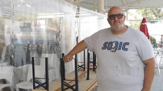 Paolo Gabriele, titolare del bar e ristorante di spiaggia Ghetto Quarantasea a Rivabella