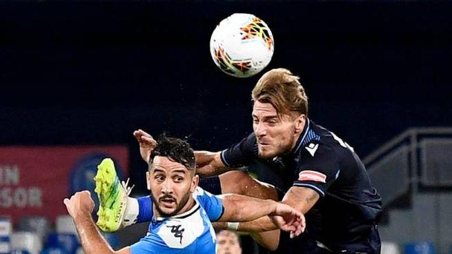 Napoli-Lazio 3-1, contrasto aereo fra Manolas e Immobile (Ansa)