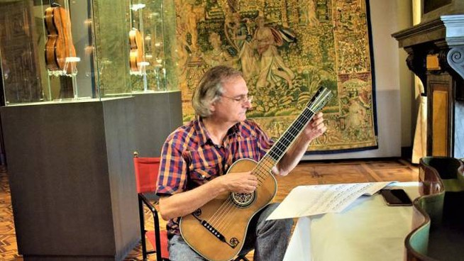 Il chitarrista Domenico Lafasciano