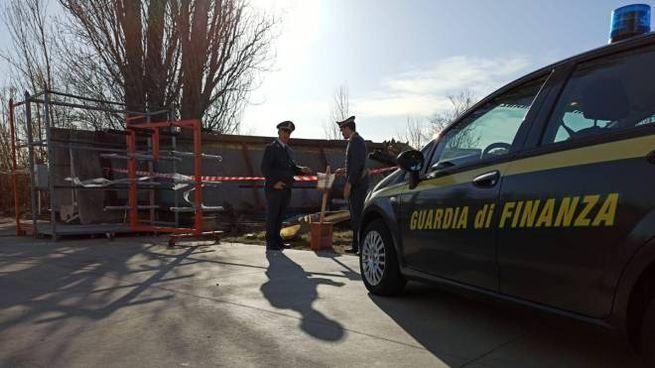 Il deposito abusivo di 6mila mq sequestrato dalla Guardia di finanza nella zona di Santarcangelo