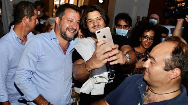 Matteo Salvini a Firenze (foto NewPressPhoto)