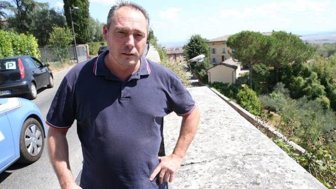 Gianni Galardi sul luogo del salvataggio (Foto Di Pietro)