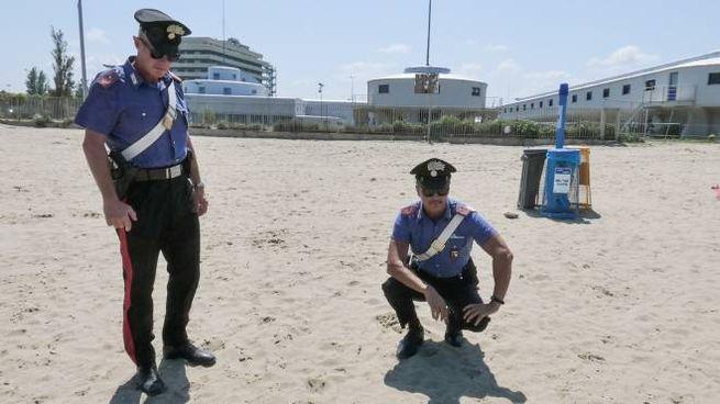 Il punto della spiaggia libera in cui sarebbe stata trovata la giovane turista
