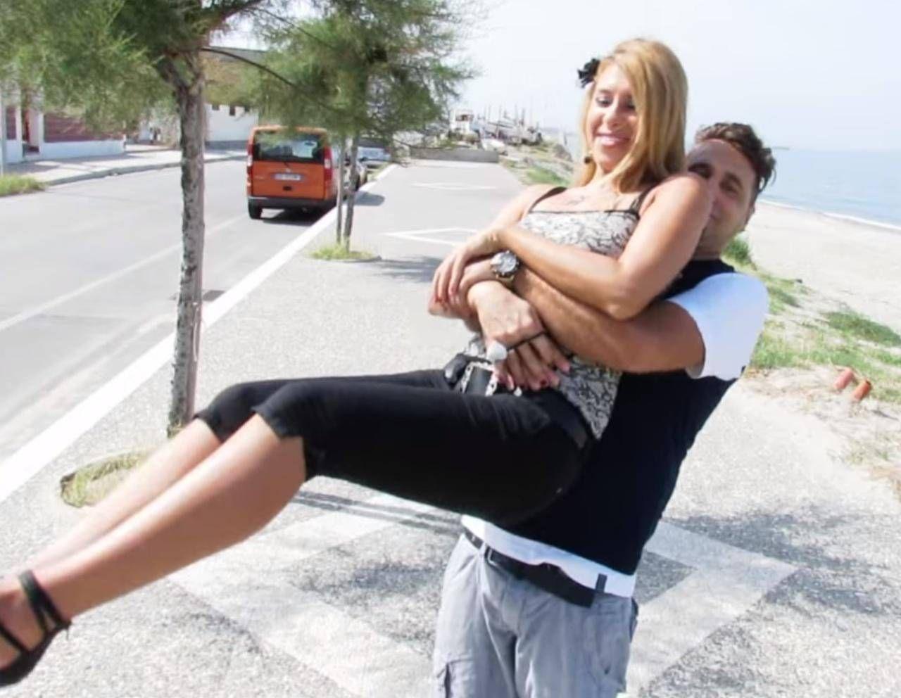 Viviana Parisi, 43 anni, e Daniele Mondello, 45, sono due noti dj: hanno un figlio di quattro anni scomparso con la mamma