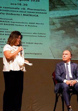 L'archeologa e consigliere comunale Emanuela Biocco con il sindaco di Matelica Massimo Baldini