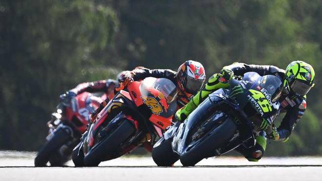 MotoGp Brno, Rossi ed Espargaro (Ansa)