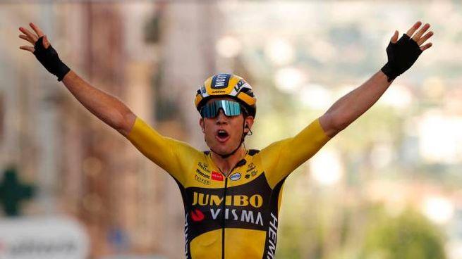 Wout Van Aert, vincitore della Milano-Sanremo 2020 (Ansa)