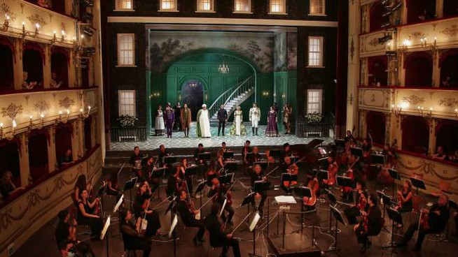 Rossini Opera Festival 2020, nuovo allestimento, con l'orchestra nello spazio platea