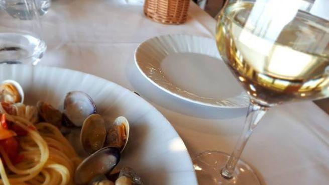 Ferrara, al ristorante abusivo fioccavano le prenotazioni (Foto d'archivio Ansa)