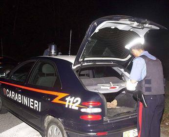 Scoppia la lite in casa: arrivano i carabinieri e trovano un ricercato