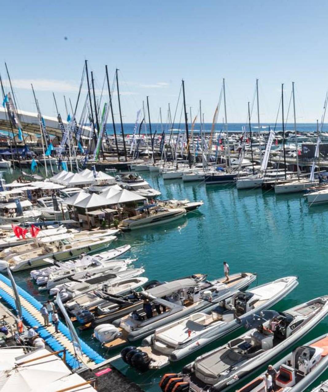 Una veduta del porto di Genova. Fondamentale per la sicurezza sarà l'ampiezza degli spazi all'aperto