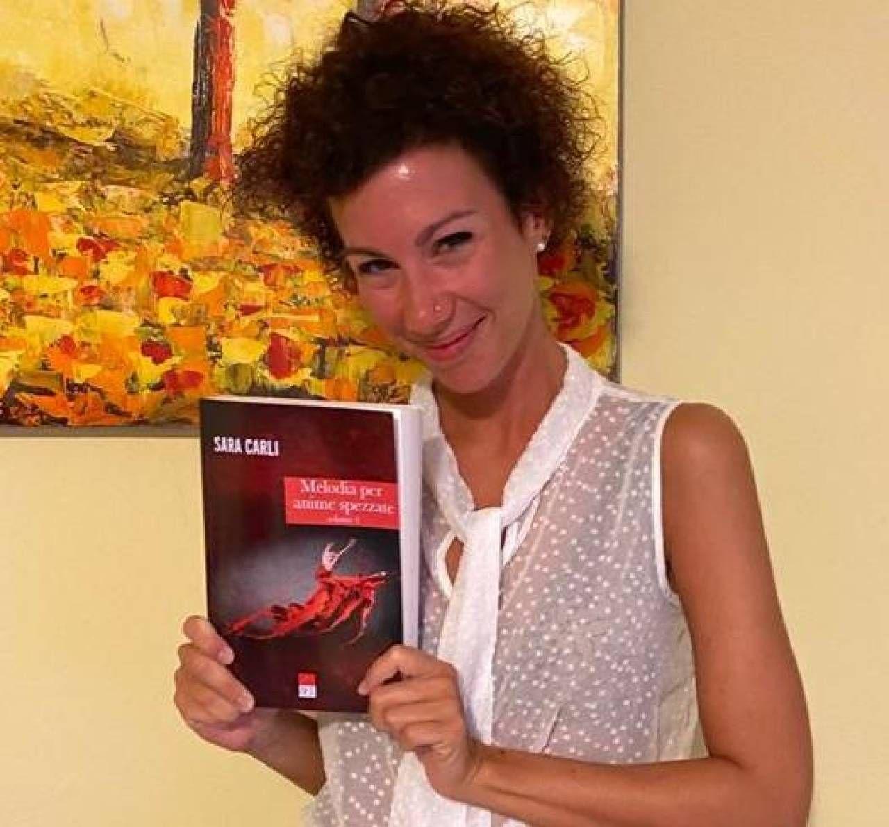Sara Carli, di Lagosanto, mostra il suo romanzo d'esordio