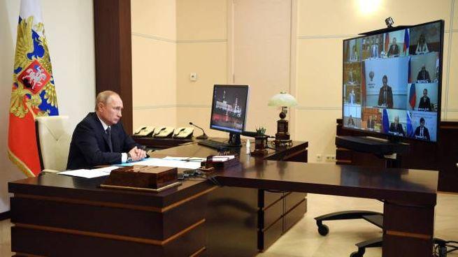Vladimir Putin annuncia sperimentazione del vaccino (Ansa)