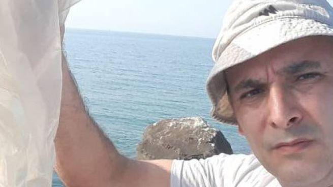 Simone Riva, il turista spazzino da record