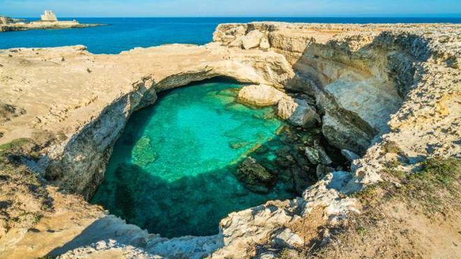 La Grotta della Poesia a Roca Vecchia, in Puglia