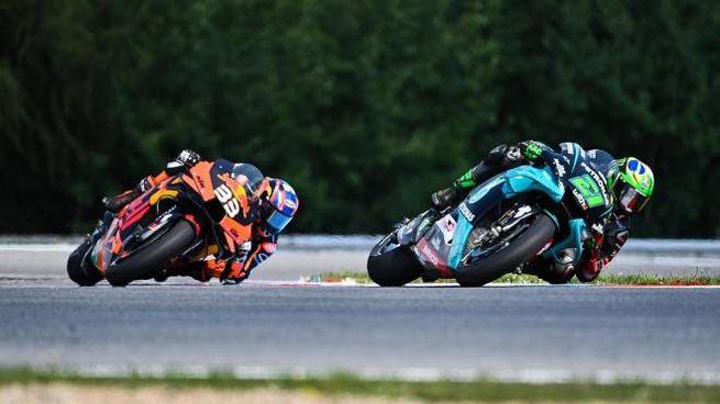 MotoGp, il duello fra Brad Binder e Franco Morbidelli (Ansa)