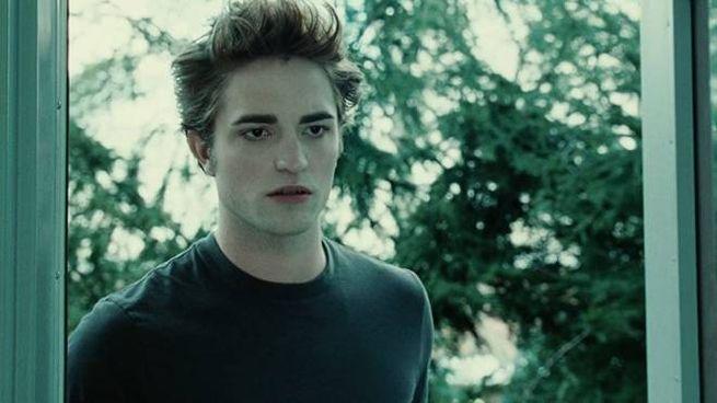 Robert Pattinson nei panni di Edward Cullen in 'Twilight' - Foto: Summit Entertainment
