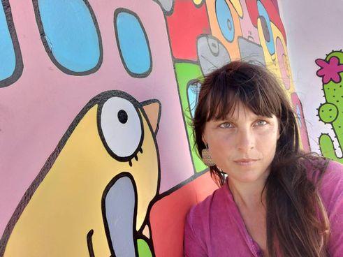 Ilenia Rosati, pisana, è diplomata all'Accademia di Belle Arti di Firenze