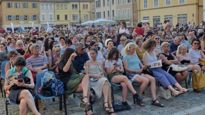 Piazza XX Settembre gremita, per l'edizione 2019 di Passaggi Festival