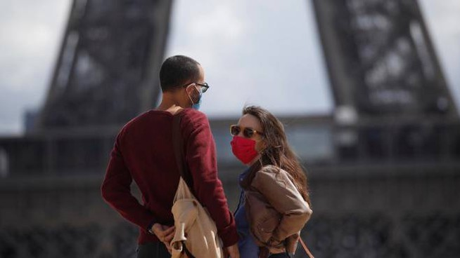 Covid Nel Mondo 25 Milioni Di Contagi Tamponi Gratis Nelle Strade Di Parigi Esteri