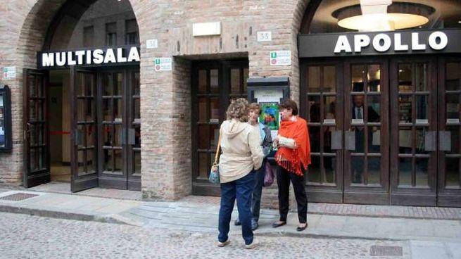 Il cinema Apollo di via del Carbone (foto di repertorio)