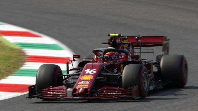 La Ferrari con la livrea per i 1000 GP in F1 (Ansa)