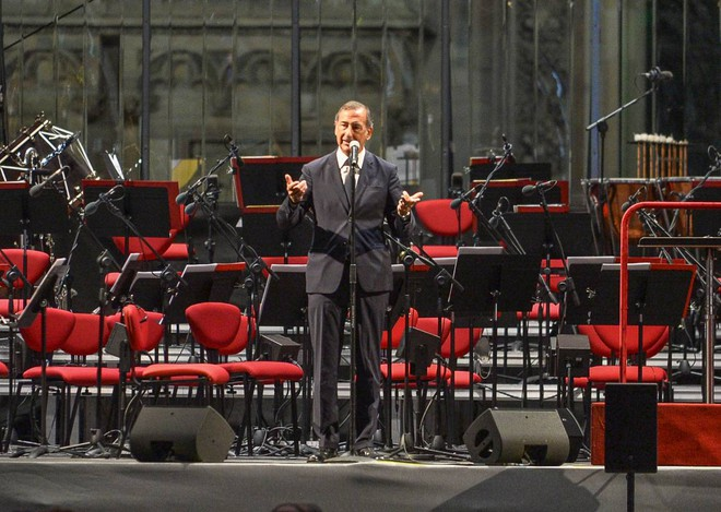 "'Concert for Italy' in Piazza Duomo, Chailly: ""Now positivity at the top""/ PHOTOS"